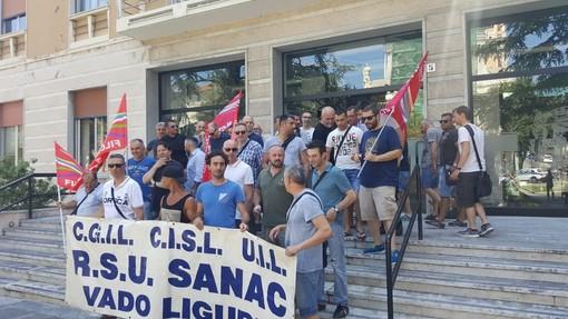 I lavoratori Sanac in sciopero (immagine di repertorio)