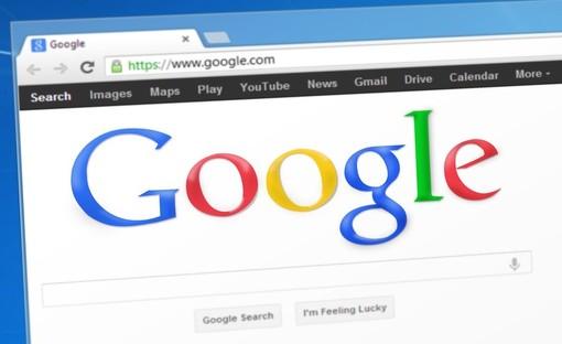 """Gmail e YouTube in """"down"""": irraggiungibili le piattaforme Google, disagi per milioni di persone"""