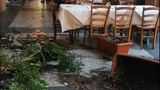 Savona, rissa in pieno giorno in piazza del Popolo: paura per i dehors di alcuni locali