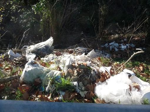 Sopralluoghi delle Guardie WWF nell'entroterra savonese: numerosi i siti ancora in attesa di bonifica