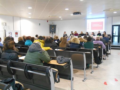 """Savona, le maestre rivendicano il loro posto di lavoro in Provincia: """"Vogliamo il mantenimento dei ruoli"""""""