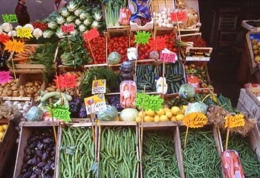 """Frutta e verdura """"Km. 0"""", i Verdi: """"Si tutela la salute con un giusto rapporto qualità-prezzo"""""""