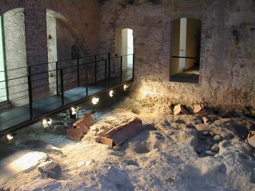 """Nuova area del Museo Archeologico di Savona, inaugurazione-protesta di """"A Campanassa"""", Cerva: """"Il Comune non ne è stato capace, ci pensiamo noi"""""""
