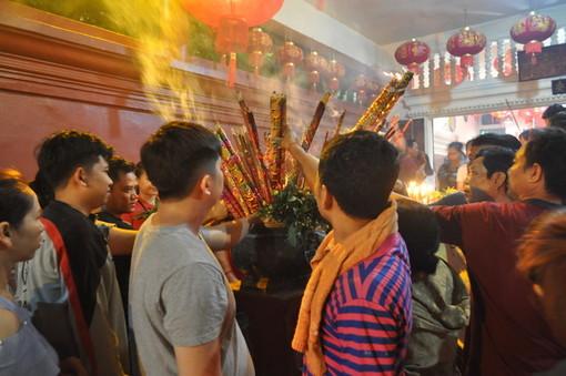 "Finalborgo, sabato 26 inaugura la mostra fotografica ""Ierofaine, Cina, Vietnam, Cambogia - Manifestazione del sacro"""