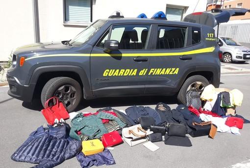 La Guardia di Finanza sequestra 170 articoli contraffatti tra Ceriale e Borghetto Santo Spirito