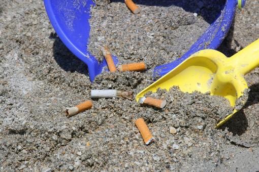 Spotorno, al via la campagna di sensibilizzazione sull'abbandono dei mozziconi di sigaretta