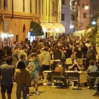 Savona e la movida in Darsena, sarà contingentato l'accesso alla presenza degli steward che eviteranno gli assembramenti