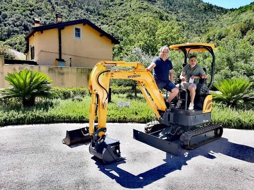 Zuccarello amplia il suo parco mezzi: acquistato mini escavatore