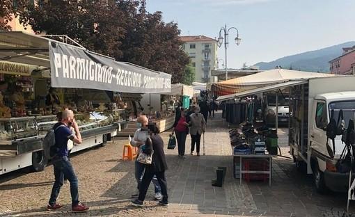Cairo, cantiere in piazza della Vittoria: i banchi di frutta e verdura del mercato settimanale traslocano