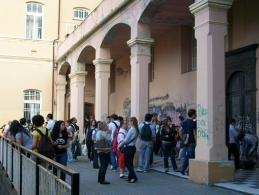 Albenga: i tagli alla scuola pubblica a Palazzo Oddo