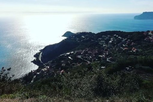 LA FOTONOTIZIA: il panorama di Bergeggi visto da Monte Sant'Elena