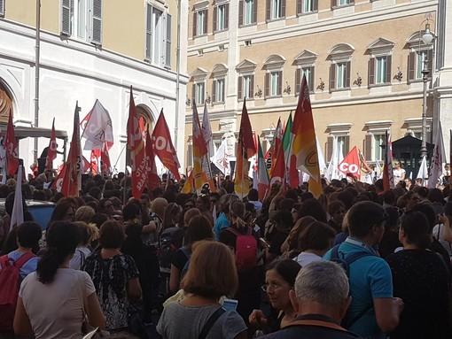 Le Maestre Diplomate Magistrali savonesi in sciopero ancora una volta a Roma (FOTO E VIDEO)