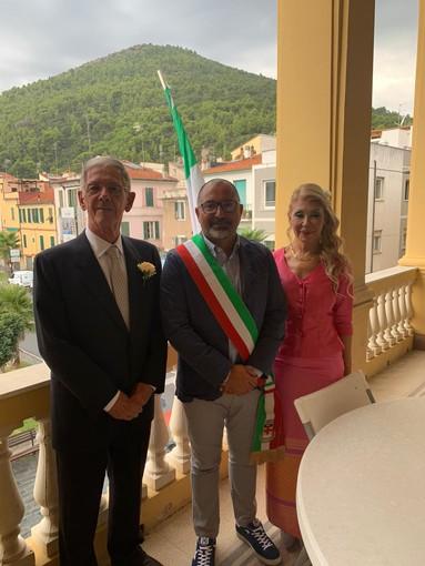 Quando l'amore non ha età: coppia si sposa oggi a Borghetto, lui compirà 80 anni domani