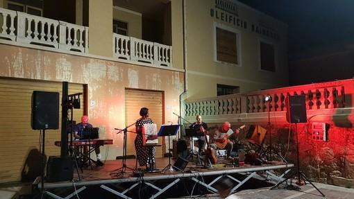 """Successo per la 1° rassegna """"Musica in piazza"""" a Cisano sul Neva"""