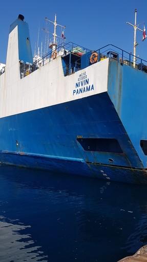 Savona, bloccato e sanzionato tentativo di autoproduzione nel porto