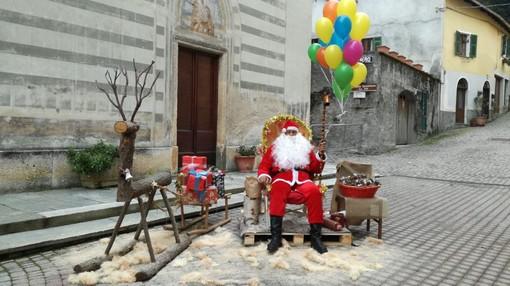 Calizzano, Babbo Natale e i Folletti del Bosco hanno dato il via alle festività natalizie (FOTO)