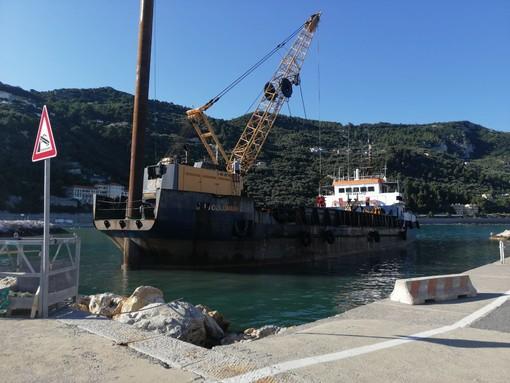Varigotti, cominciato il ripascimento del litorale di ponente