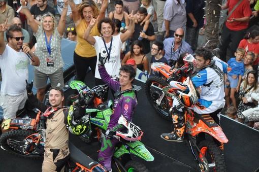 Vado, un grande spettacolo di pubblico per lo show di Freestyle motocross e Mototerapia