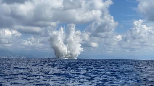 Le prime 4 immagini sono della Marina Militare