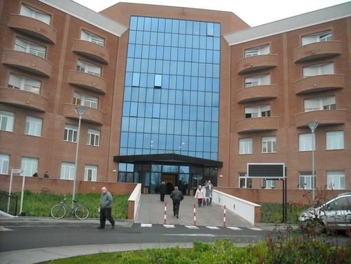 L'ospedale di Albenga perde un altro pezzo: chiude l'ambulatorio di ortopedia