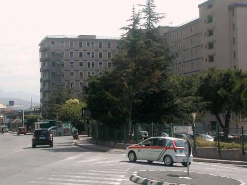 Frontale alla Conca Verde di Savona: due persone al San Paolo