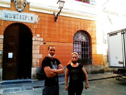 """Albenga, la protesta del bar di Pontelungo: """"Ci hanno preso di mira"""""""
