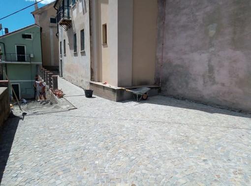 Stella, prosegue il restyling della piazza di Gameragna (FOTO)