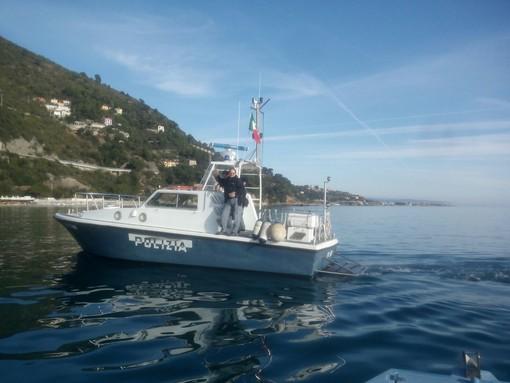 Albenga, bagnino non presente sul traspolo: sanzionato dalla Squadra Nautica di Alassio