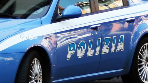 Aggredisce sessualmente una donna all'autoporto di Savona: fermato rumeno dalla polizia