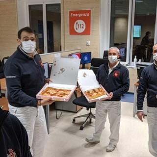 Coronavirus: la situazione al San Martino di Genova, ieri nuova solidarietà con la consegna di 147 pizze (FOTO)