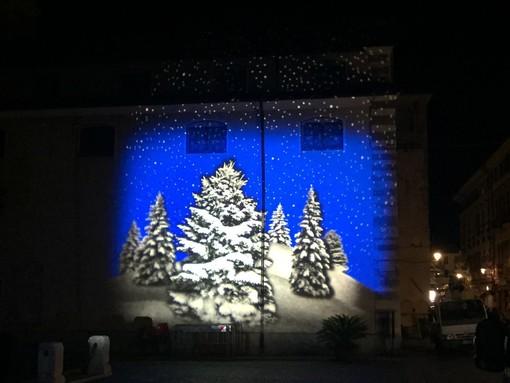 Proiezioni di Natale nel centro storico: il comune di Albenga cerca sponsor