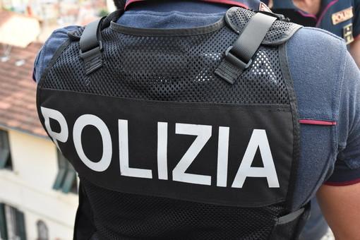 """Vaccini anti-Covid alle forze dell'ordine, Silp Cgil-Uil Polizia: """"Finalmente si parte"""""""