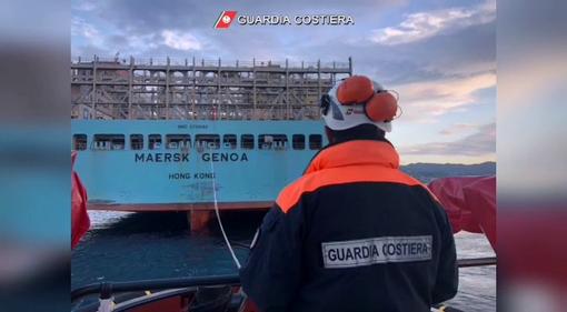 Il porto di Savona–Vado Ligure non si ferma: arrivata la super portacontainer Maersk Genoa (VIDEO)