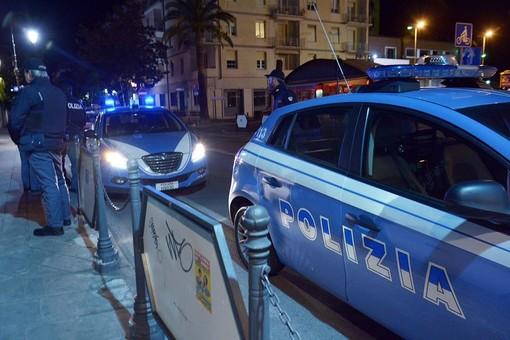 Controlli della Polizia di Stato ad Alassio e Albenga: 50 persone identificate e 20 veicoli fermati