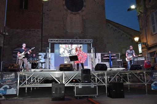 C'è grande attesa, questa sera ad Albenga, per il concerto della band Progetto Festival
