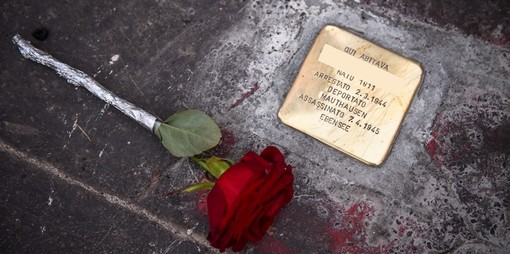 Alassio: in Passeggiata Baracca pietre d'inciampo per i deportati della Seconda Guerra Mondiale