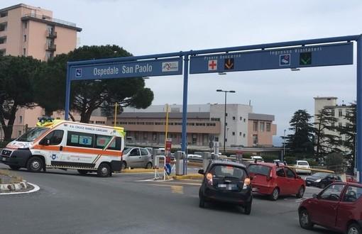 Savona, investimento pedonale in via Belloro: una donna in codice rosso al San Paolo