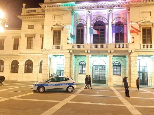 """Agente preso a pugni in piazza Sisto a Savona, comandante Aloi: """"Fatto grave e ingiustificato che non ha trovato nessun appoggio dei presenti"""""""