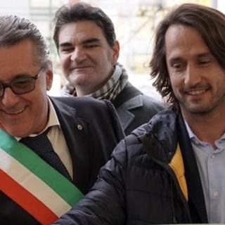 Il vicesindaco facente funzione Luigi Pierfederici (a sinistra) col suo predecessore Alessandro Bozzano