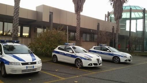 Straniero sorpreso a cedere droga: denunciato dalla polizia locale di Albenga