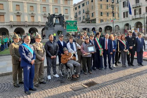 """L' """"Alpino dell'anno 2018"""" è Carmelo Virgilio. Premiati anche gli alpini in congedo Alessandro Fummi e Emidio Boledi (FOTO)"""