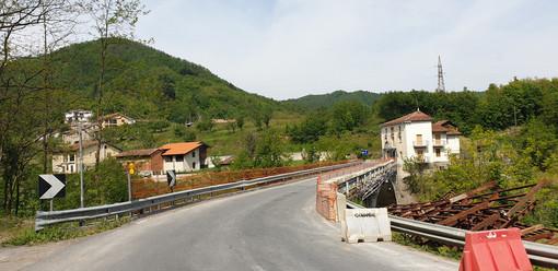 Millesimo, riaperto a senso unico alternato il ponte in località Acquafredda