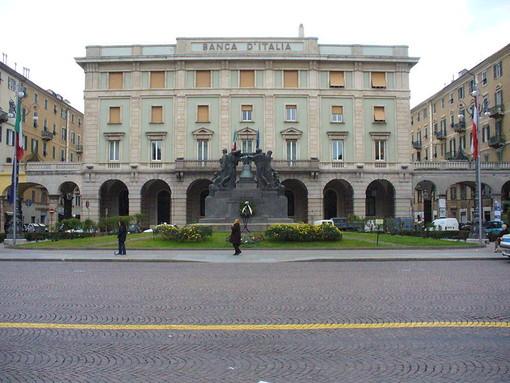 """Celebrazioni per la """"Giornata dell'Unità Nazionale e delle Forze Armate"""" a Savona in piazza Mameli"""