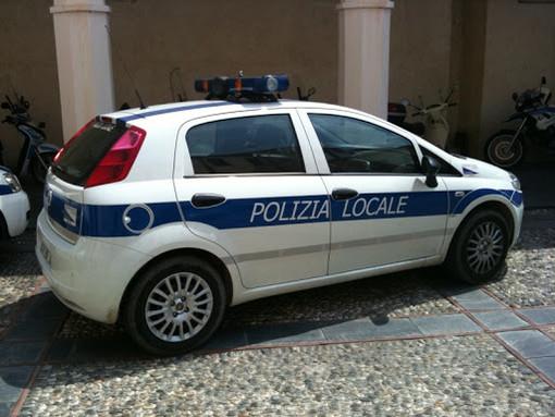 Savona, daspo urbano della polizia locale al giocoliere di via Don Minzoni