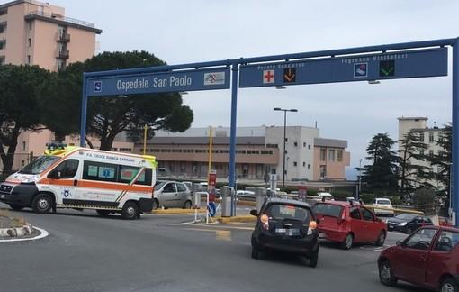 Valleggia, operaio cade da un ponteggio: codice giallo al San Paolo
