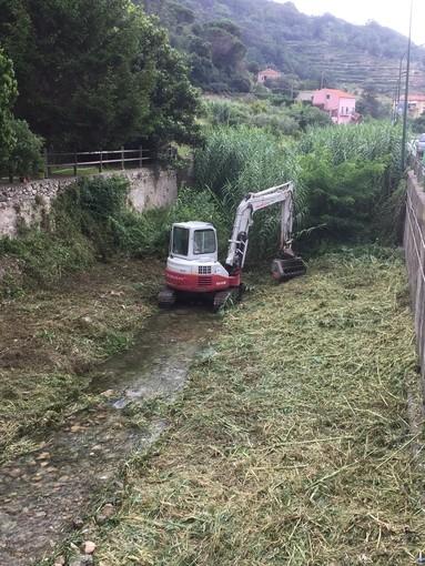 Finale Ligure: prosegue la pulizia dei fiumi (FOTO)