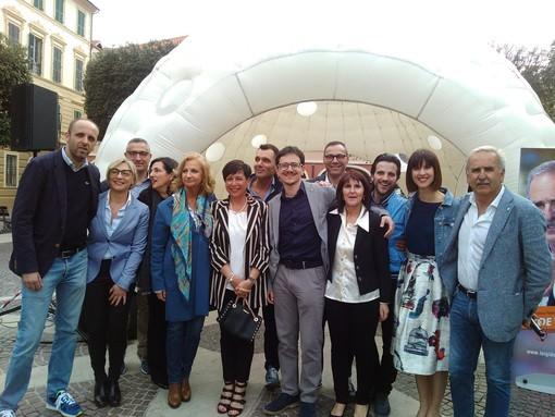 """Ecco la squadra di Luigi De Vincenzi per Pietra Ligure: """"Il piacere e l'orgoglio di dare risposte ai concittadini"""" (FOTO e VIDEO)"""