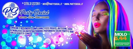 Si balla da Party Social al Molo 8.44 grazie a una sala con serate a tema