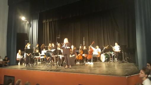 """""""Ponente in Musica"""": oggi al teatro Ambra di Albenga 416 alunni di undici scuole delle province di Savona e Imperia"""