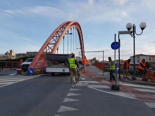 """Albenga, il sindaco Tomatis: """"Dalla prossima settimana sarà ripristinato il doppio senso di marcia sul Ponte Viveri"""""""